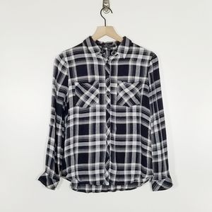 Romeo and Juliet Couture Plaid Button Up Blouse